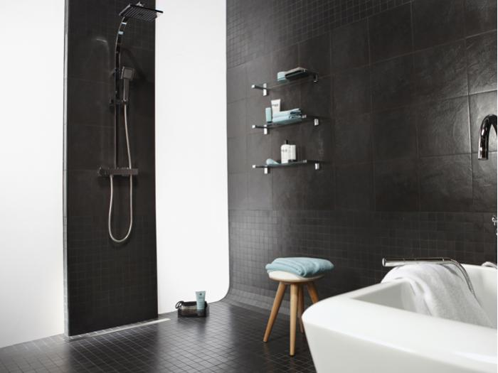 Douches l italienne 3 solutions pour une douche de plain pied for Photos de douche a l italienne