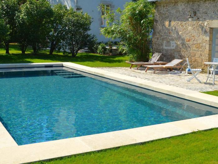 le march de la piscine a battu des records en 2016 march. Black Bedroom Furniture Sets. Home Design Ideas