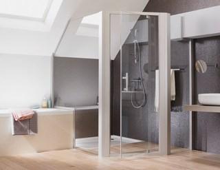 Accessibilit trois solutions pour la douche solutions for Paroi de douche sous comble