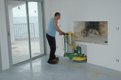 Réaliser un béton ciré coloré Mise en oeuvre Revêtements de sols
