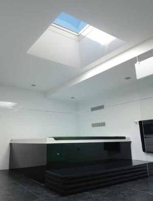 fen tre coupole pour toits plats velux. Black Bedroom Furniture Sets. Home Design Ideas
