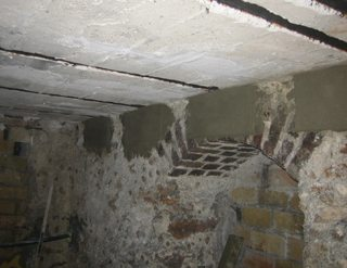 renforcer un plancher poutrelle dans une cave parisienne mise en. Black Bedroom Furniture Sets. Home Design Ideas