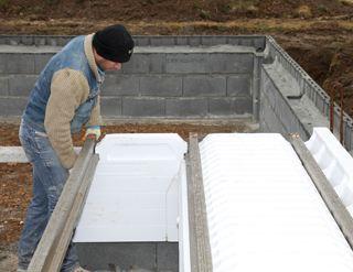 Un plancher sur vide sanitaire conforme la rt 2012 mise en oeuvre - Comment isoler vide sanitaire ...