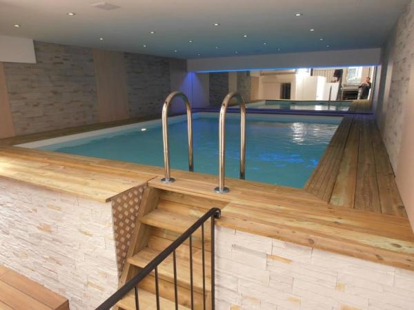 Difloisirs piscine int rieure en bois sur mesure pour for Piscine interieure construction