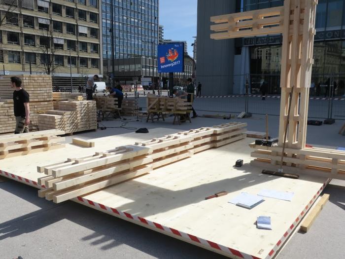 forum bois construction comment r aliser un totem de 14 m de. Black Bedroom Furniture Sets. Home Design Ideas