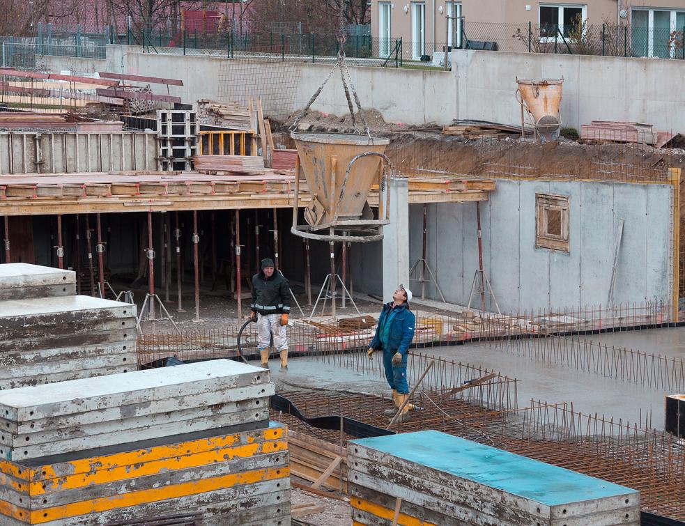 Reprise confirm e pour le b ton pr t l 39 emploi en europe - Sac beton pret al emploi ...