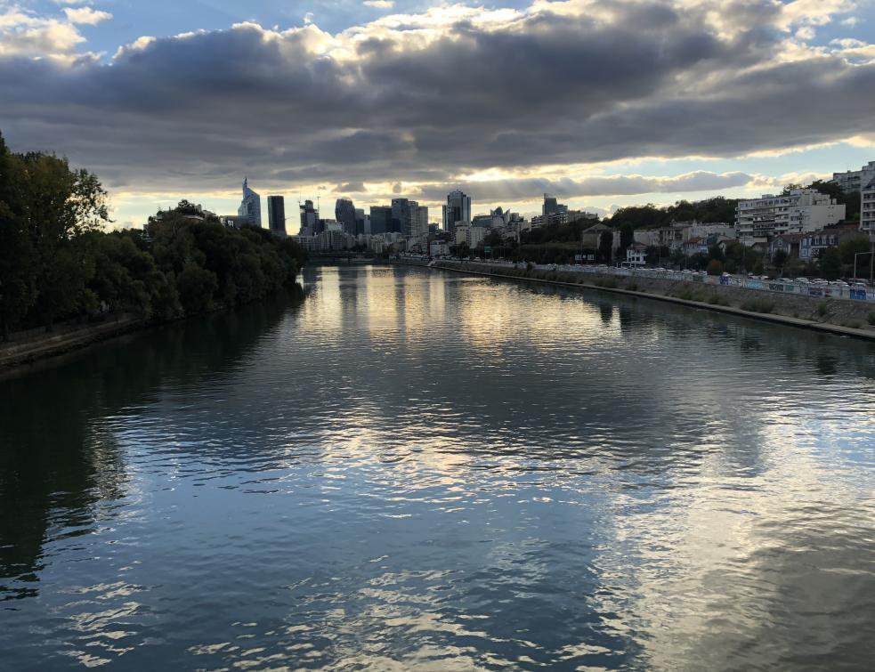 Grand Paris: les voies fluviales utilisables pour les chantiers