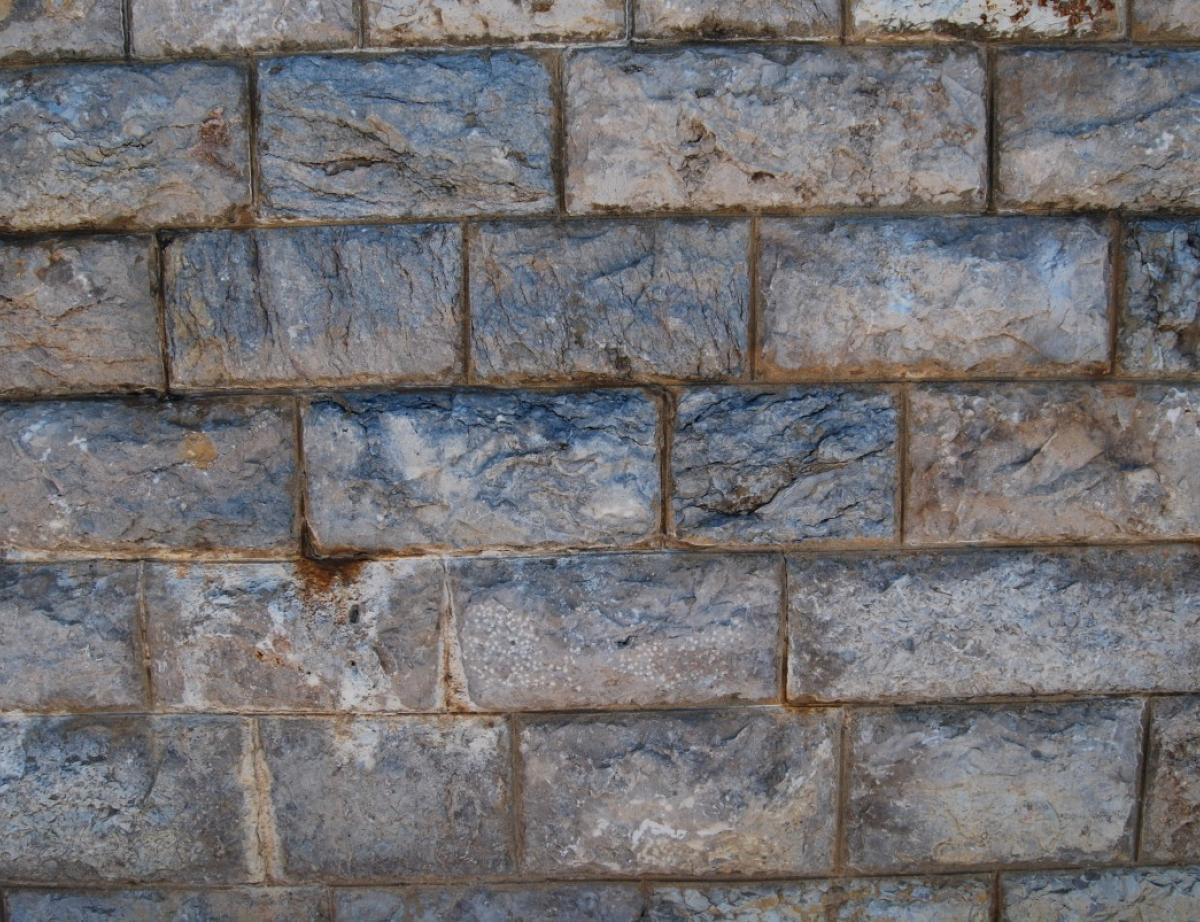 Rehausser Une Cloture Grillagée il faut distinguer mur de soutènement et de clôture gestion de