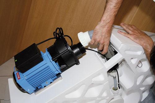 Installer une cabine hydromassante avec pompe mise en oeuvre - Cabine de douche avec pompe de relevage ...