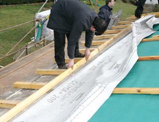 Sarking r aliser une isolation efficace en toiture mise for Methode sarking en renovation