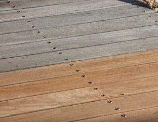 Quels syst mes pour entretenir et r nover les bois ext rieurs - Lasure de couleur pour bois exterieur ...