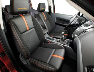 Le ranger le nouveau pick up 4x4 ford v hicules utilitaires for Interieur ford ranger