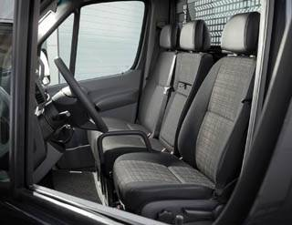 mercedes sprinter peau neuve et moteurs plus sobres v hicules. Black Bedroom Furniture Sets. Home Design Ideas