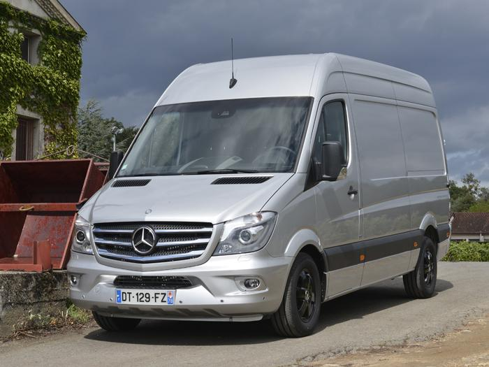 le sprinter mercedes a 20 ans v hicules utilitaires mat riels. Black Bedroom Furniture Sets. Home Design Ideas