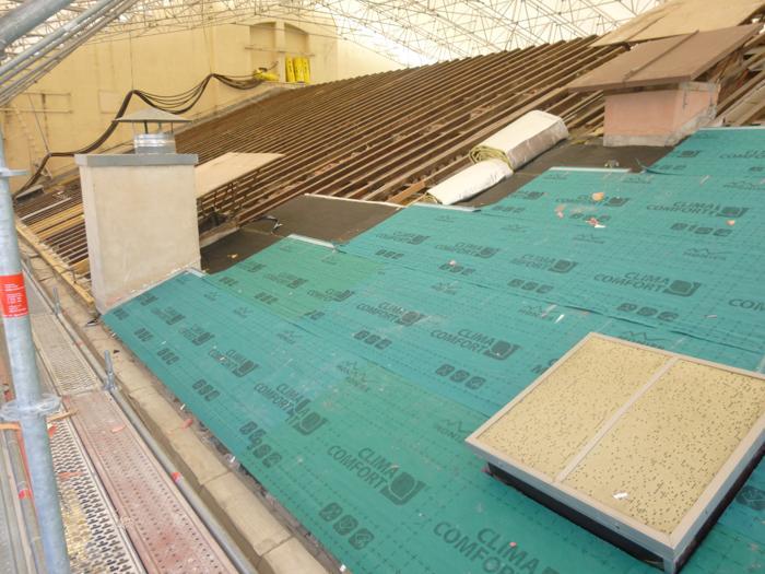 Un nouveau toit pour l op ra de toulon immobilier logement for Isoler un toit de garage