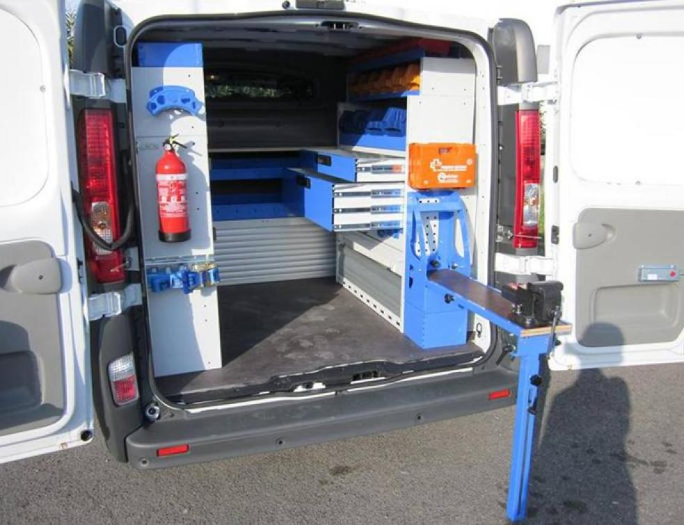 Amenagement D Un Vehicule Utilitaire Faire Poser Ou Faire