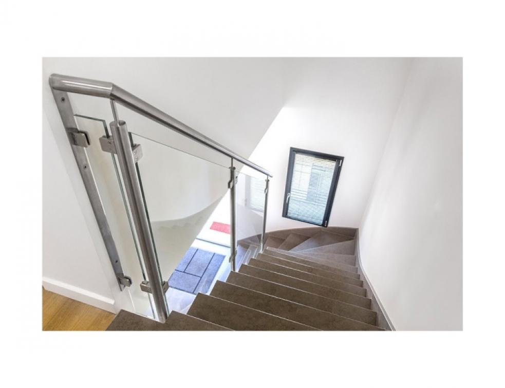 InoxDesign, fabricant de rampes d\'escalier d\'intérieur et