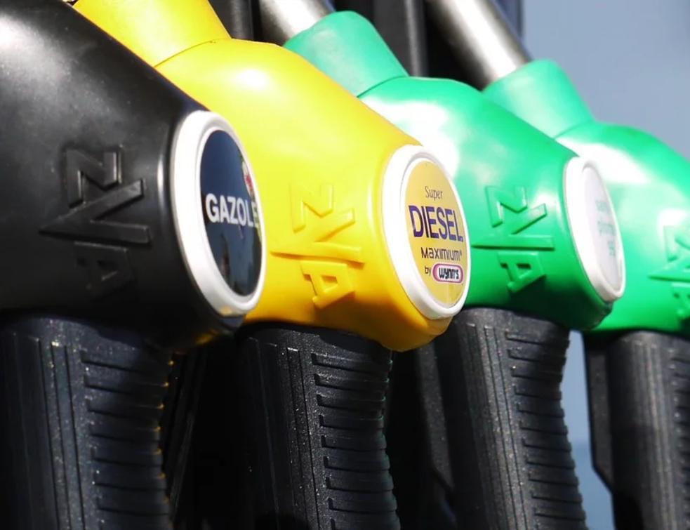 Les gendarmes débloquent le site de Vern-sur-Seiche — Dépôts pétroliers